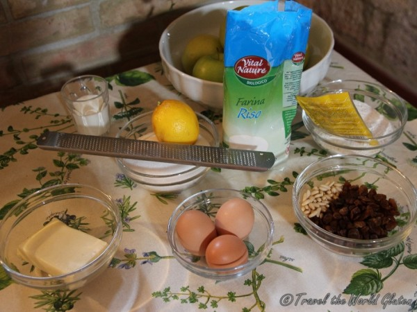 The ingredients needed for the torte di mele