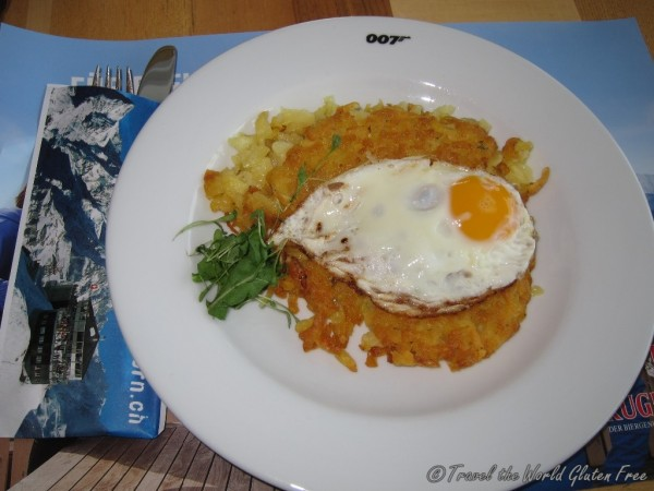 The saddest roesti of the trip, which is expected being at 2970 m in a Bond tourist hub