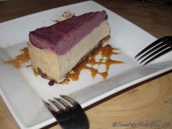 RAW Cheesecake: I'm not sure how they make cheesecake without real cheese so good!